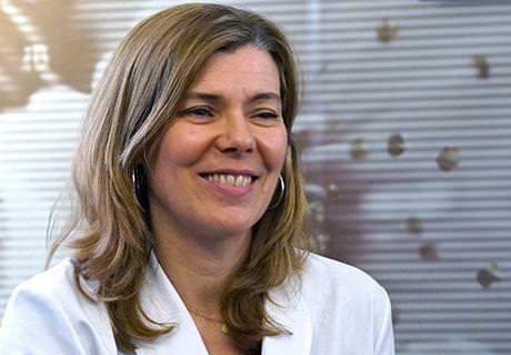 Dr Carmen del Águila- Unité d'Oculoplastie - ICOftalmologia