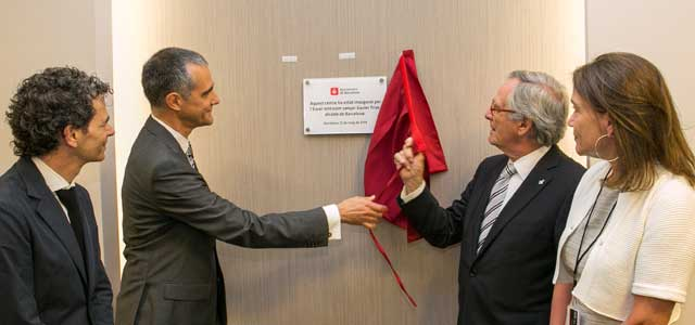 Inauguración - Placa conmemorativa - ICOftalmologia